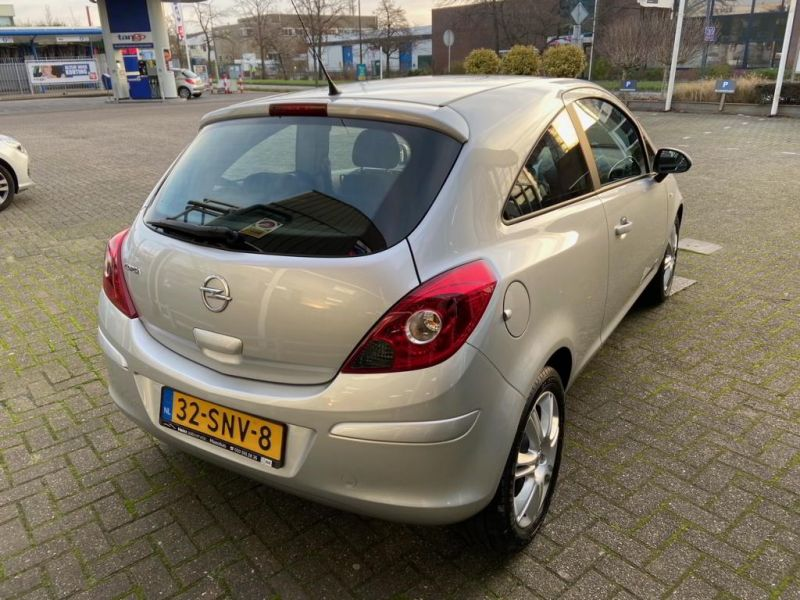 Opel Corsa Automaat 2011 32 SNV 8 4
