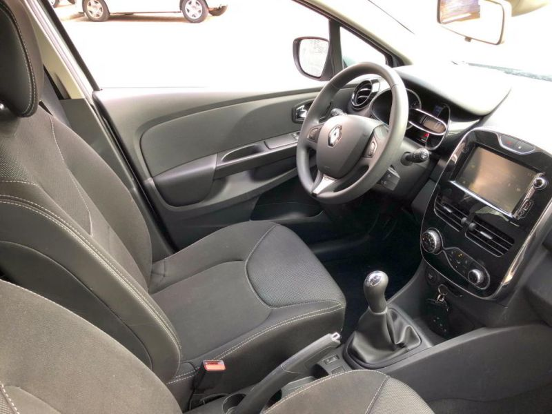 Renault Clio NightDay 2014 JD 314 V 4